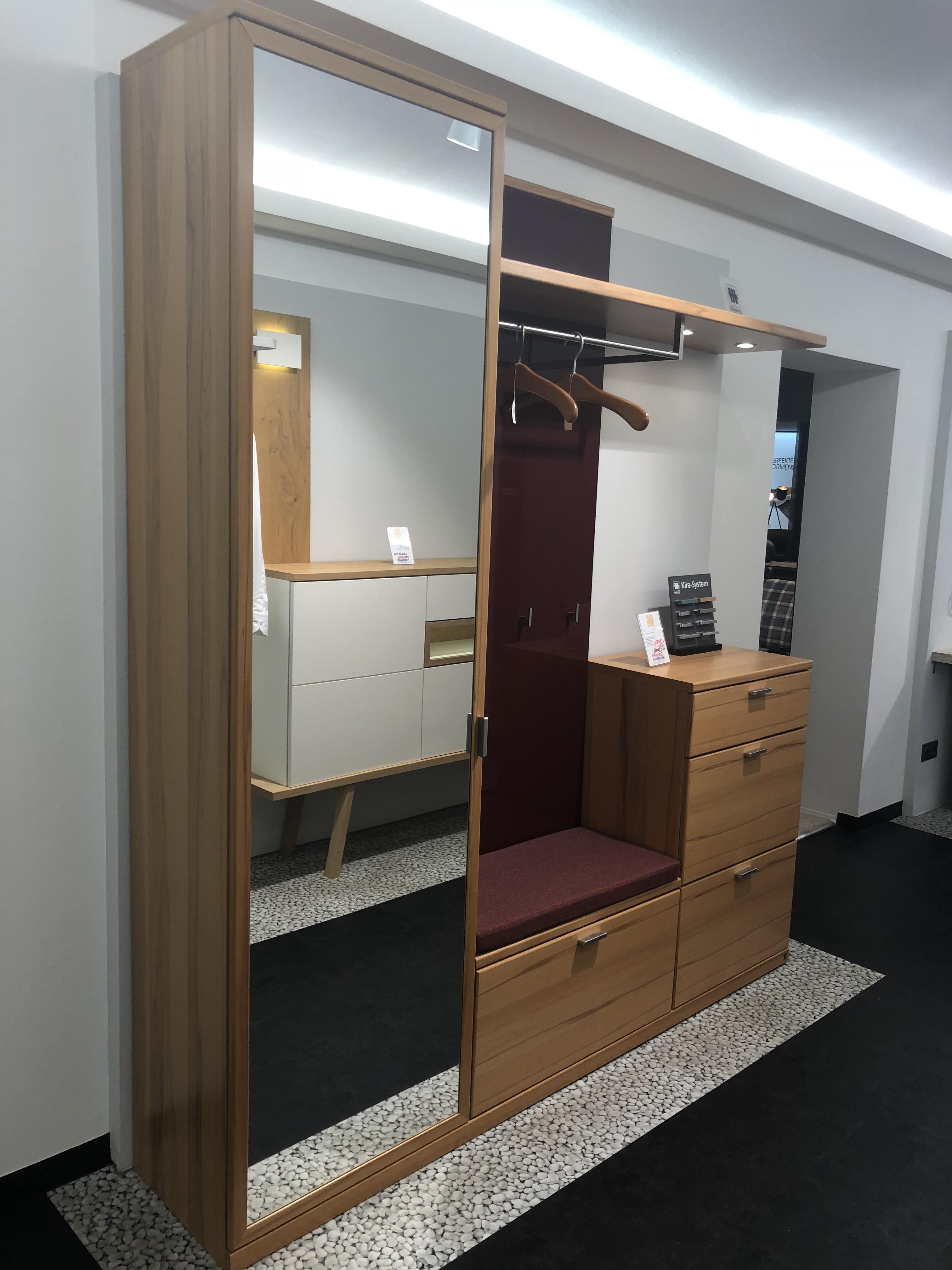 mein ausstellungsst ck musterring diele kira. Black Bedroom Furniture Sets. Home Design Ideas