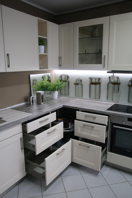 mein ausstellungsst ck torino fa bauformat seidenmatt lackiert magnolie. Black Bedroom Furniture Sets. Home Design Ideas