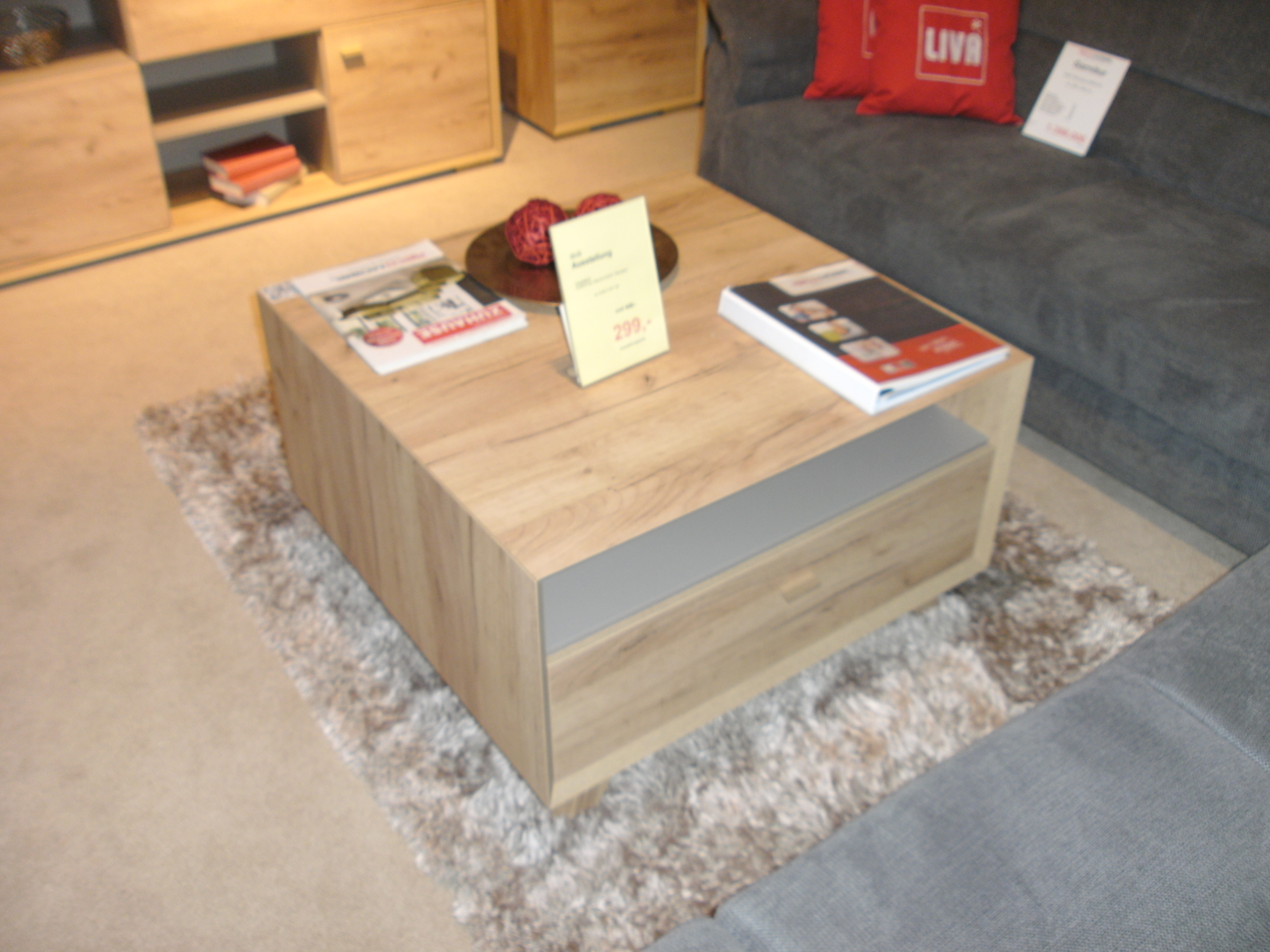mein ausstellungsst ck couchtisch calvi. Black Bedroom Furniture Sets. Home Design Ideas