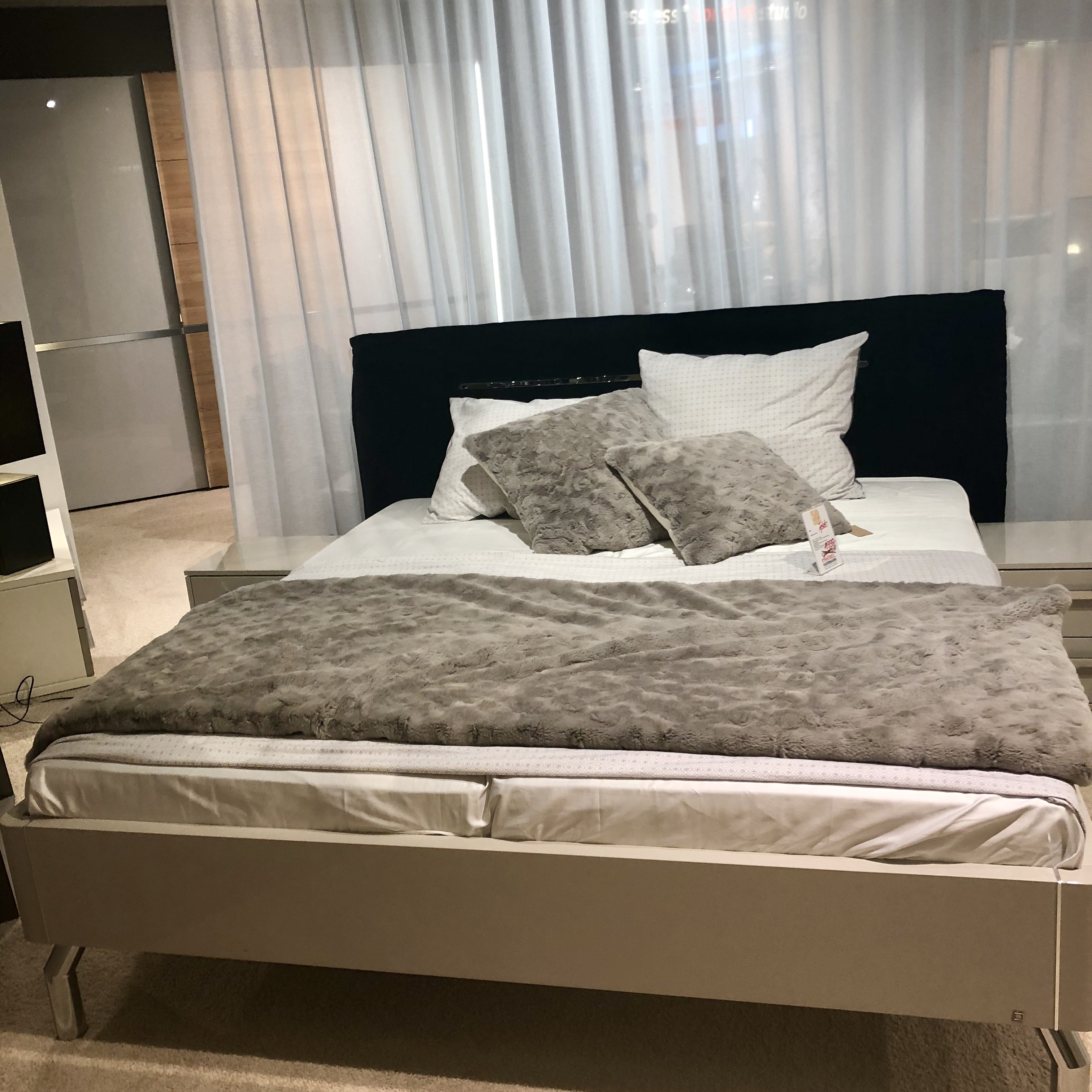 mein ausstellungsst ck betten. Black Bedroom Furniture Sets. Home Design Ideas